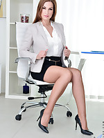 Anilos.com - Freshest mature women on the net featuring Anilos Carol Gold horny anilos