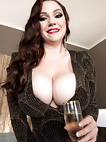 Scoreland - Invitation From A Busty Babe - Kate Marie (66 Photos)